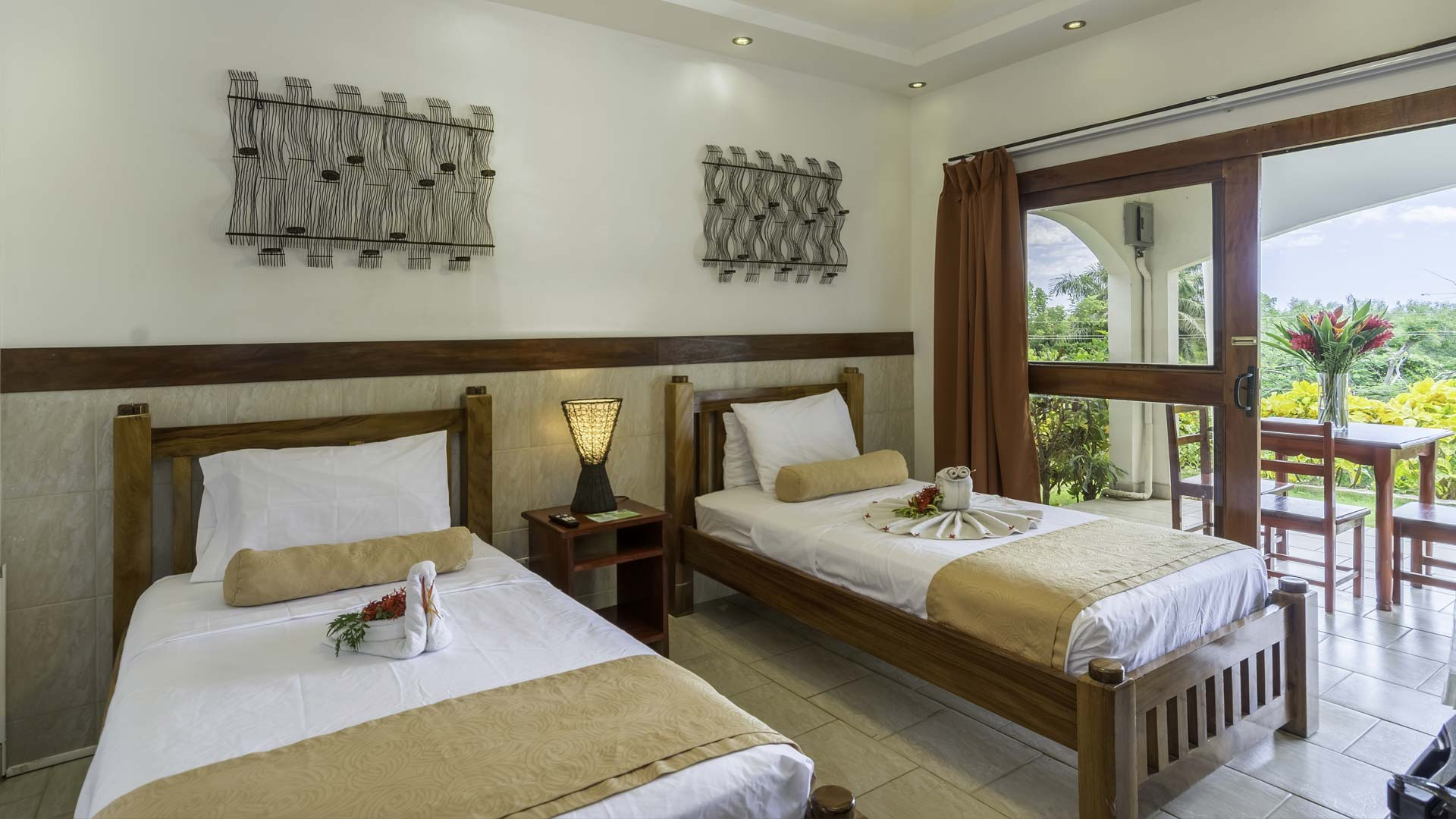 Book a Junior Suite during Ocaso Tecno Music Festival in Costa Rica