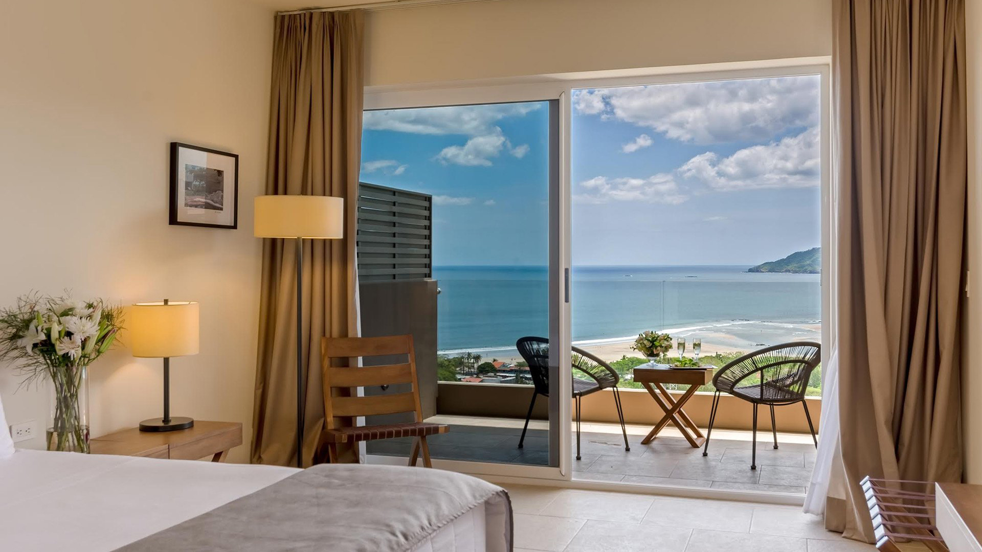Book an Oceanview Room at Wyndham during Ocaso Music Festival Tamarindo